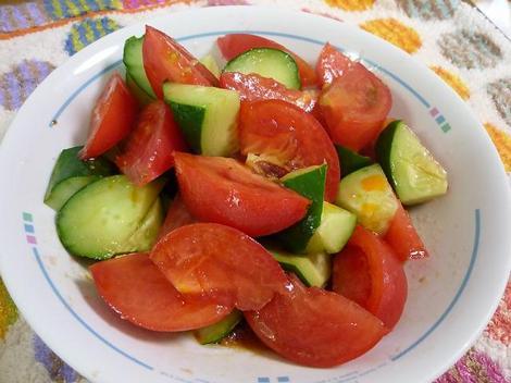 トマトとキュウリの辛子和え